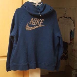 Nike Pullover Swear Shirt w/Huddy